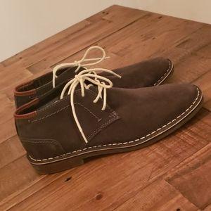 Never Worn Kenneth Cole Chukka Boots
